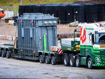 CombiMAX 3+ 5 semi-trailer for transporting a transformer