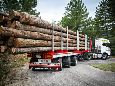 3-axle semi-trailer for transporting wood up to 21 m