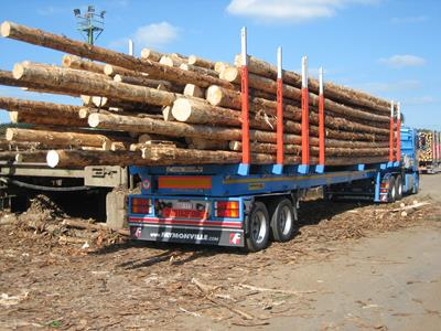 The Faymonville TimberMAX semi-trailer is designed for the transport of round or sawn timber, in particular: