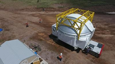 Self-propelled modular trailer APMC by Faymonville to move a telescope