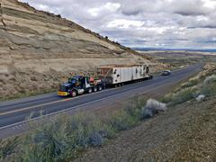 The highway trailer fits for heavy haul projects with legal payloads up to 205,000lbs and beyond