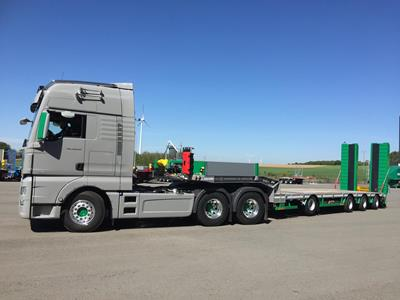A MultiMAX stepframe trailer for railway works