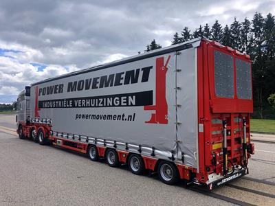 A low loader with sliding curtain system for Power Movement