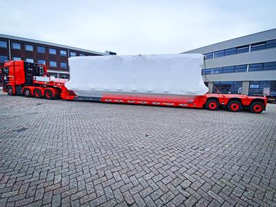 The lowbed with a basic width of 2,750 mm ideally matches the requirement profile of Van Grinsven.