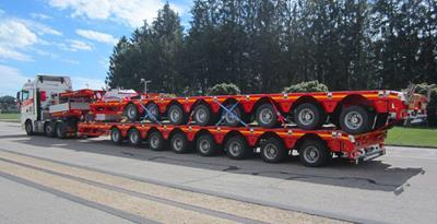 A long journey lies ahead for these two 8-axle MultiMAX lowbeds by Faymonville.