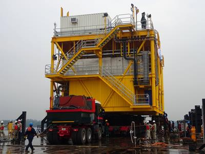 The structure weighs close to 300t and is approximately 22.5m long, 12m wide and 9.5m tall.